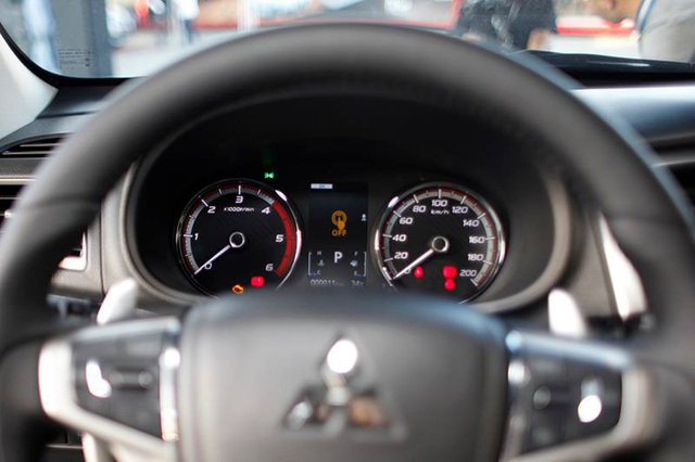 Mitsubishi Triton 2019 ra mắt tại Việt Nam, giá từ 730,5 triệu đồng - Ảnh 7.