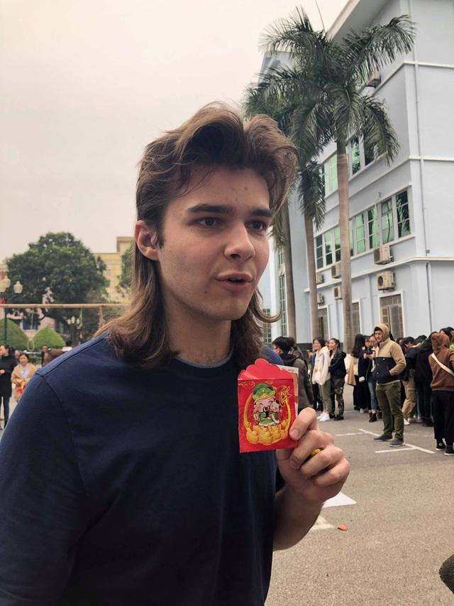 Sinh viên nước ngoài tưng bừng tham gia tìm hiểu phong tục Tết Việt - Ảnh 3.