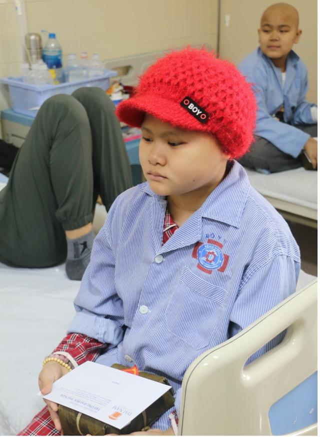 Sinh viên gói hơn 1.000 chiếc bánh chưng dành tặng những hoàn cảnh khó khăn  - Ảnh 8.