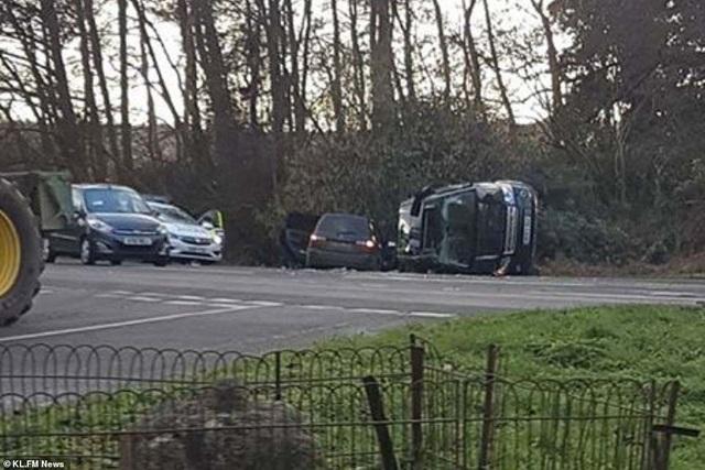 Chồng Nữ hoàng Anh bị sốc nặng sau tai nạn xe hơi - Ảnh 3.