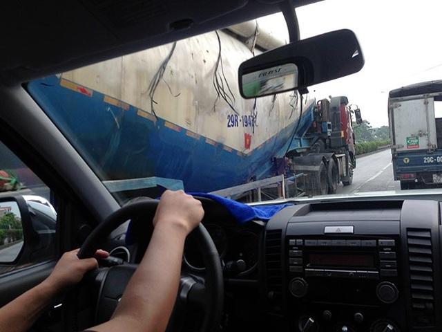 Kinh nghiệm lái xe gần xe công-ten-nơ, xe tải cỡ lớn - 3