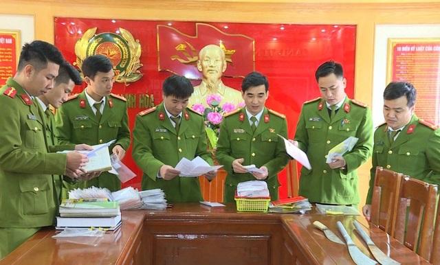 Công an TP Thanh Hóa đồng loạt ra quân và tiến hành khám xét hành chính đối với 32 điểm kinh doanh dịch vụ tài chính.