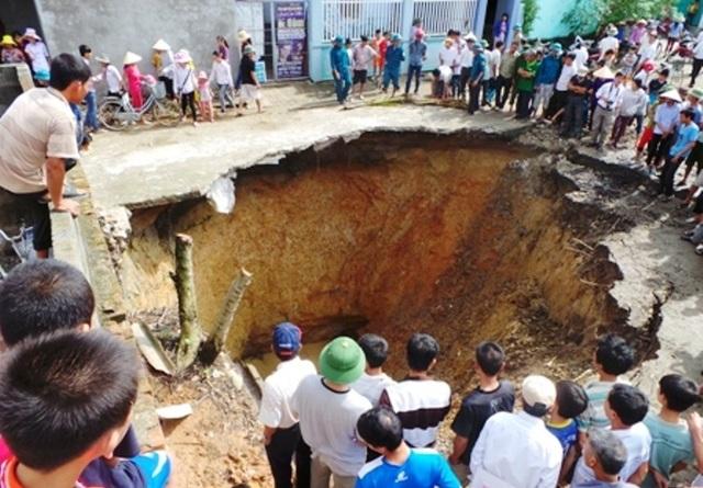 Trước đó, cũng tại địa phương này từng xảy ra hiện tượng sụt lún nghiêm trọng.