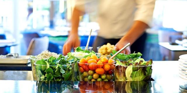 Các khách sạn, khu nghỉ dưỡng sang trọng cam kết sử dụng thực phẩm hữu cơ trong thực đơn