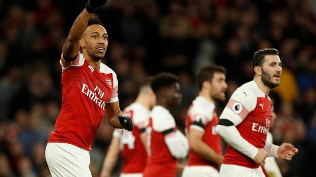 Cuối cùng Aubameyang cũng ghi bàn, anh ấn định chiến thắng 4-1 cho Arsenal