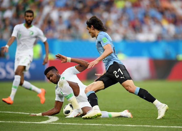 Sau khi chia tay ĐTQG (sau World Cup 2018), Omar Hawsawi đã để lại khoảng trống lớn ở vị trí hậu vệ cánh trái. Ali Al-Bulaihi chính là người sẽ đảm nhiệm vai trò này. Ở World Cup 2018, cầu thủ của Al Hilal đã có màn thử lửa trong trận đấu với Uruguay và thi đấu tương đối tốt. Năm nay đã bước sang tuổi 29, đây là cơ hội cuối để Ali Al-Bulaihi thể hiện mình ở Asian Cup 2019.