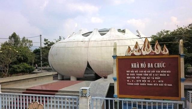 Theo lãnh đạo Ba Chúc, thời gian tới địa phương tập trung nguồn lực để phát triển Nhà mồ Ba Chúc không chỉ là nơi lưu giữ 1.157 hài cốt mà còn là điểm tham quan, tìm hiểu lịch sử vùng đất này