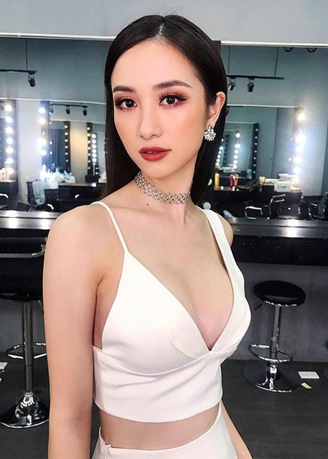 Một trong số những mỹ nhân Việt khác cũng thừa nhận nâng ngực trong năm qua là nữ diễn viên Jun Vũ.