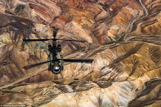 Máy bay CH-47F Chinook của Mỹ tham gia tập trận huấn luyện tại Afghanistan.