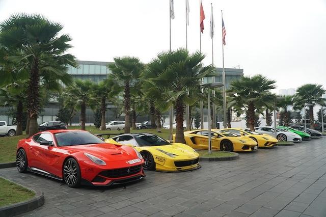 Dàn siêu xe trăm tỷ tụ tập tại Hà Nội trong hành trình Car & Passion 2018