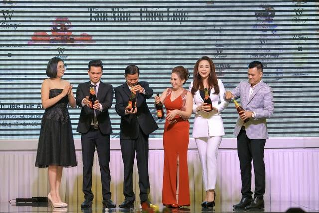 V/c ông Nguyễn Viết Thắng khai lễ cùng ban giám đốc công ty Hải Dương