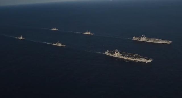 Tàu sân bay John C. Stennis và Ronald Reagan của Hải quân Mỹ diễn tập ở vùng biển Philippines. (Ảnh: US Navy)