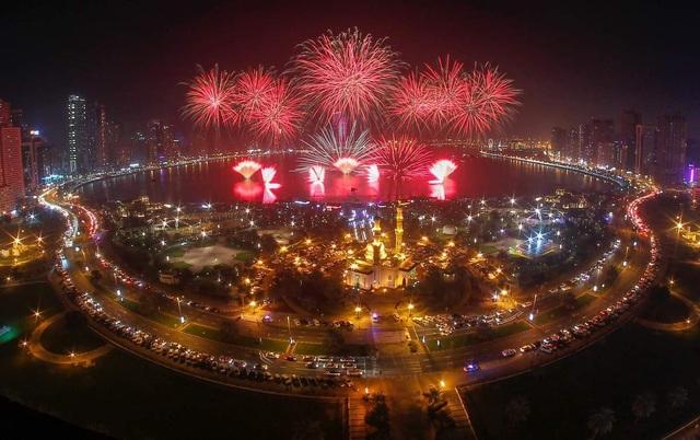Hàng triệu du khách từ khắp nơi đổ về Dubai để đón năm mới 2019