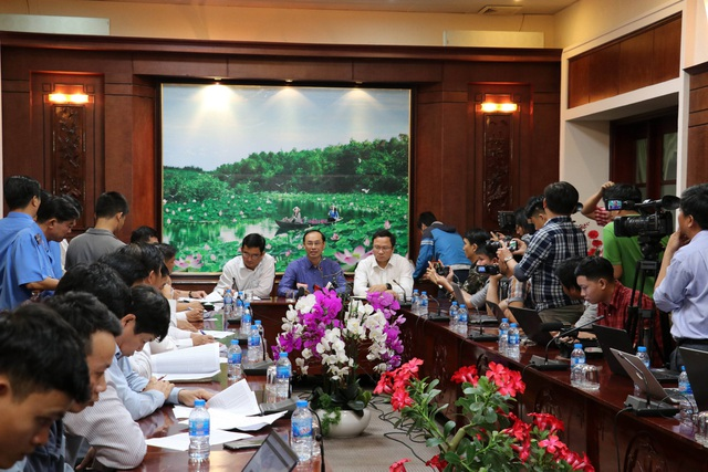 Bộ Giao thông vận tải và Ban An toàn giao thông quốc gia làm việc với tỉnh Long An ngay trong đêm 2/1