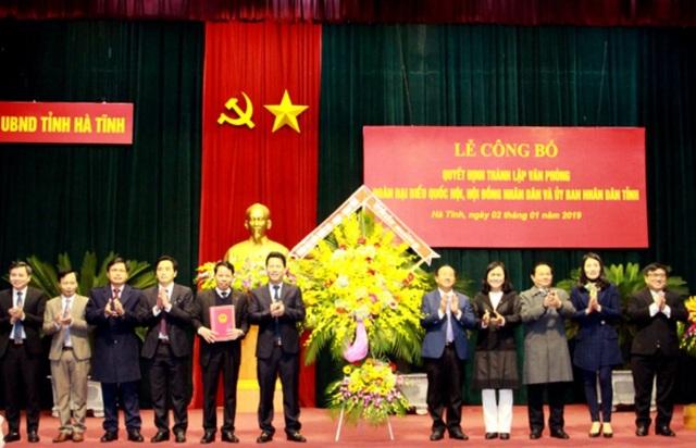 Hà Tĩnh đã công bố quyết định về việc thành lập Văn phòng Đoàn ĐBQH, HĐND, UBND tỉnh