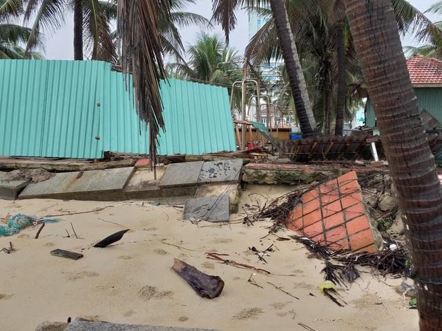 Bờ biển Đà Nẵng sạt lở nghiêm trọng - 2