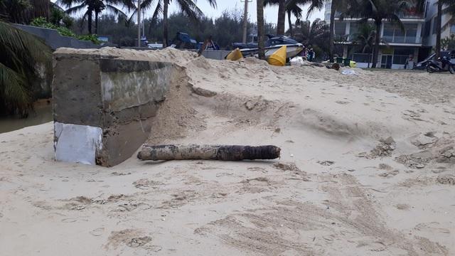 Bờ biển Đà Nẵng sạt lở nghiêm trọng - 5