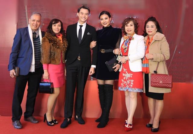 Ngoài đời, Thanh Hương và Anh Dũng là hai nghệ sĩ thân thiết. Thanh Hương từng đăng quang Á hậu Hoa hậu Hải Dương 2006 cùng năm với Hoa hậu Hương Giang