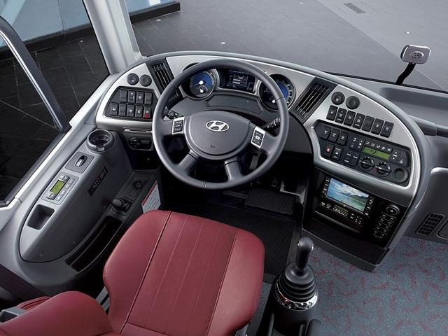 Hyundai đẩy mạnh mảng xe thương mại với Universe 47 chỗ - 4