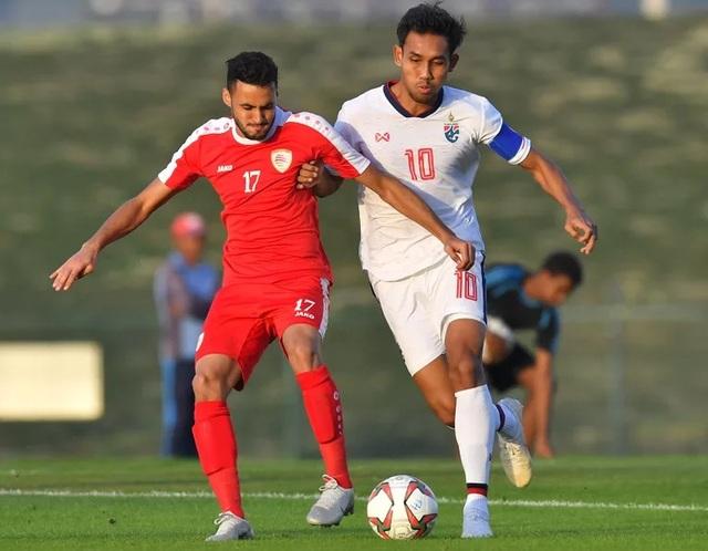 Dangda (phải) là đội trưởng của Thái Lan ở Asian Cup 2019