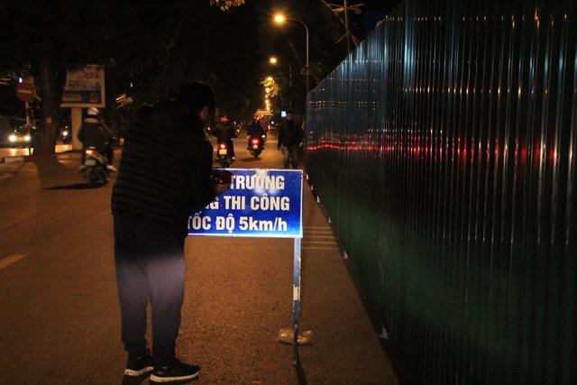 Thời gian thi công sẽ thực hiện chủ yếu vào ban đêm, từ ngày 1/1/2019, để tránh tình trạng ùn tắc giao thông trên tuyến đường này và công việc sẽ hoàn thành trước Tết Nguyên đán.