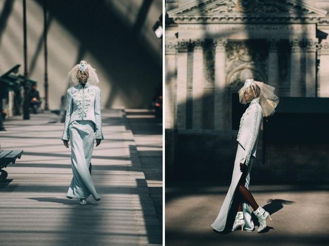 Tháng 7/2018, Adut Akech được nhà tạo mốt danh tiếng Karl Lagerfeld lựa chọn là người mẫu da màu hiếm hoi trình diễn trang phục cô dâu cho một thương hiệu thời trang danh tiếng thế giới.