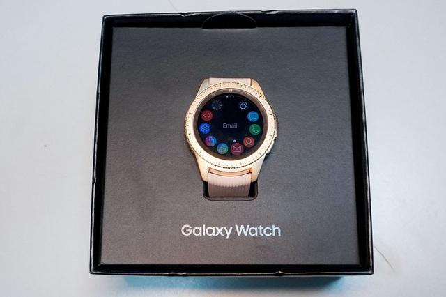 Mở hộp và trên tay nhanh Samsung Galaxy Watch giá 6,9 triệu đồng - 6