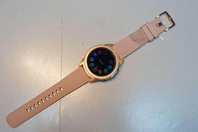 Mở hộp và trên tay nhanh Samsung Galaxy Watch giá 6,9 triệu đồng - 8