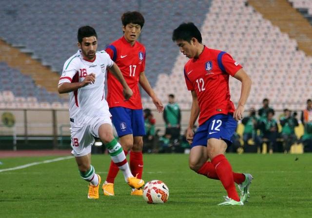 """Iran và Hàn Quốc đang là hai đội bóng có nhiều trận đấu nhất trong lịch sử Asian Cup với cùng 62 trận sau 13 lần tham dự. Với việc cả hai đội đều mang """"binh hùng tướng mạnh"""", hai đội được đánh giá là những ứng cử viên hàng đầu cho chức vô địch Asian Cup 2019. Nếu đội nào tiến sâu hơn ở giải đấu năm nay, họ sẽ chính thức lập kỷ lục ra sân nhiều trận nhất."""