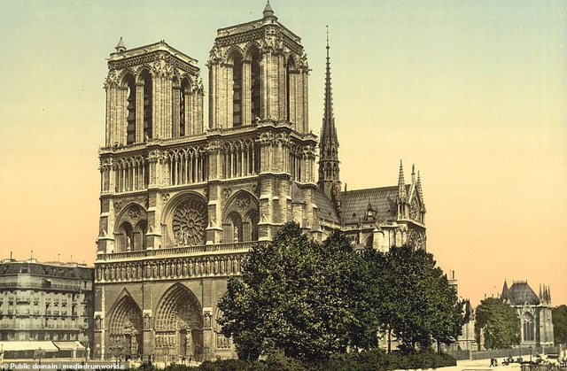 Nhà thờ Đức Bà Paris ở Paris, Pháp.