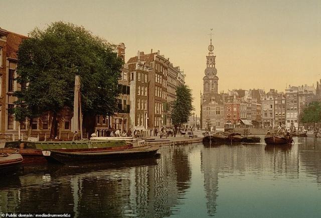 Tòa tháp Mint Tower, Amsterdam, Hà Lan.