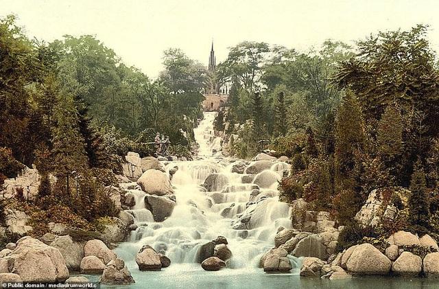Quang cảnh trong công viên Viktoriapark, Berlin, Đức.