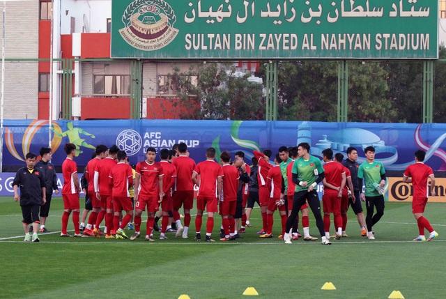 """Đội tuyển Việt Nam hứng khởi """"luyện công"""" chờ đấu Iran, Iraq - 17"""