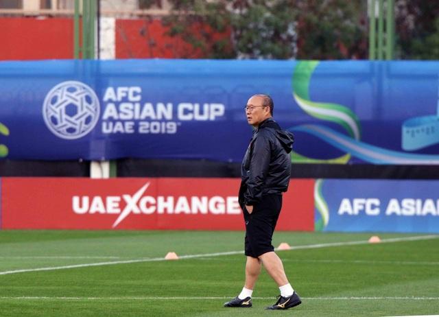 """Đội tuyển Việt Nam hứng khởi """"luyện công"""" chờ đấu Iran, Iraq - 16"""
