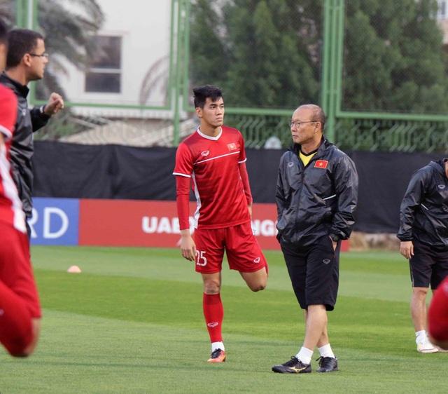 """Đội tuyển Việt Nam hứng khởi """"luyện công"""" chờ đấu Iran, Iraq - 14"""