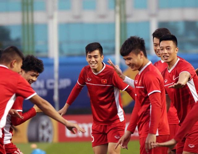 """Đội tuyển Việt Nam hứng khởi """"luyện công"""" chờ đấu Iran, Iraq - 8"""