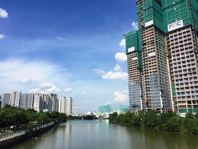 Hiệp hội Bất động sản TPHCM tỏ ra quan ngại cho thị trường bất động sản thành phố trong năm 2019 khi quy mô thị trường bị sụt giảm khá lớn trong năm 2018. Ảnh: Đại Việt