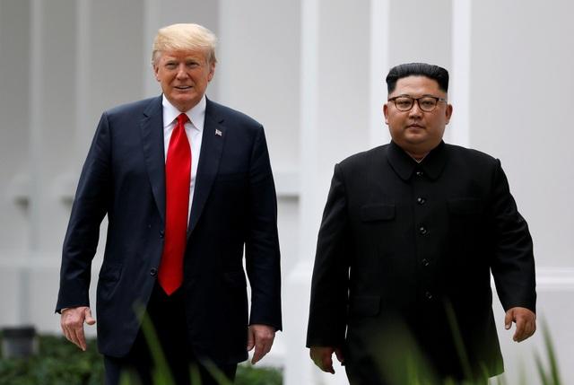 Tổng thống Donald Trump và nhà lãnh đạo Kim Jong-un gặp nhau tại Singapore năm 2018. (Ảnh: Reuters)