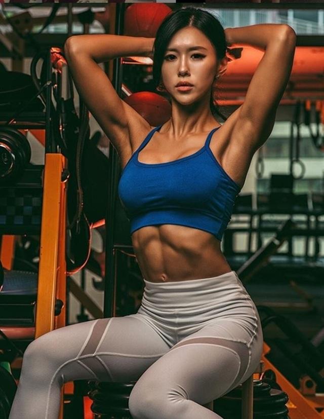 Cô nàng từng giành nhiều thứ hạng cao trong các cuộc thi bikini dành cho dân thể hình.