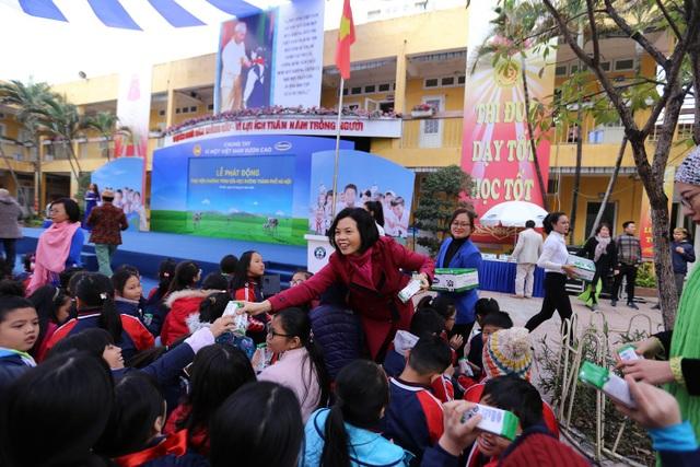 """Chung tay vì """"Ly sữa học đường"""" cho trẻ em Thủ đô ngày hôm nay - Ảnh 4."""