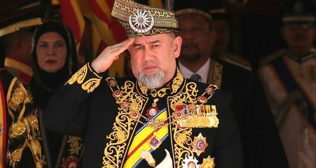 Quốc vương Malaysia bất ngờ thoái vị - Ảnh 1.