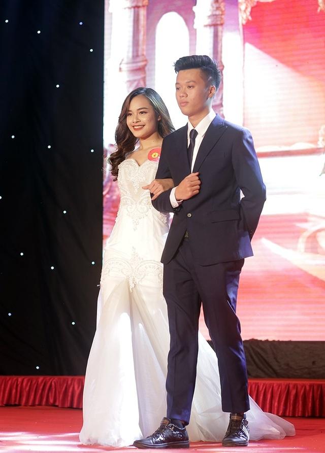 Thí sinh trình diễn trang phục dạ hội đẹp nhất Lương Vũ Huyền Thanh