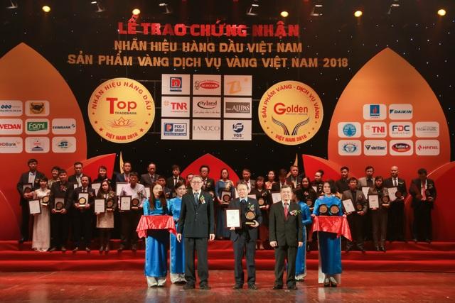 """Văn Phú – Invest được vinh danh tại Top 50 """"Nhãn hiệu hàng đầu Việt Nam"""" - Ảnh 1."""