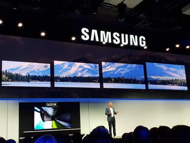 Samsung trình diễn TV 8K lớn nhất 98 inch đầu tiên trên thế giới - Ảnh 1.