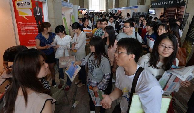 Một hội chợ việc làm ở Trung Quốc (Ảnh minh họa: AFP)