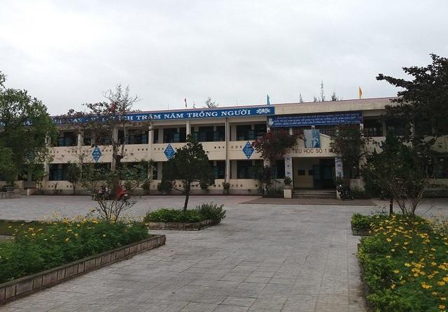 Trường Tiểu học số 1 Hồng Thủy, nơi xảy ra sự việc.