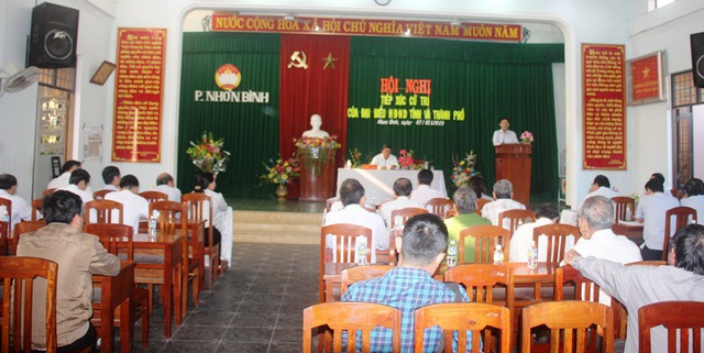 Cử tri phường Nhơn Bình chỉ hỏi vỏn vẹn 5 cầu hỏi mong được lãnh đạo tỉnh giải quyết.