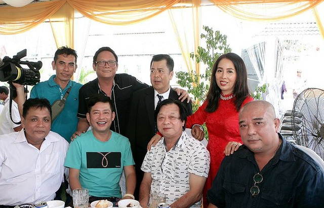 Diễn viên Lê Tuấn Anh trong lần gặp gỡ nghệ sĩ Mạnh Tràng và đồng nghiệp