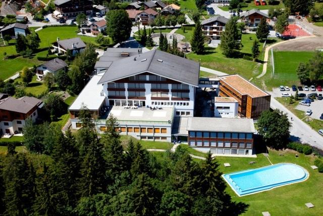 Cơ sở giảng dạy của trường Les Roches tại Thụy Sỹ