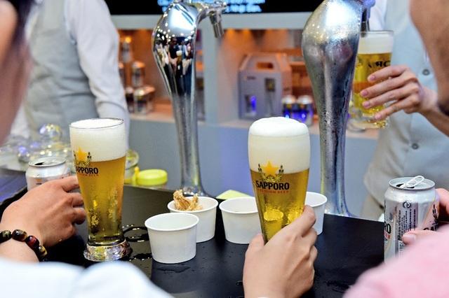 Sau 5 ngày mở cửa, Sapporo Premium Bar mang lại những trải nghiệm khác biệt nào? - Ảnh 2.